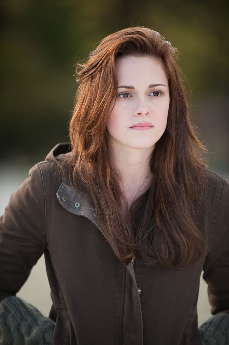 Isabella 'Bella' Swan - Check out MLQ's Twilight Saga quizzes at http://www.movielinesquiz.com/quizzes/franchises/twilight-saga