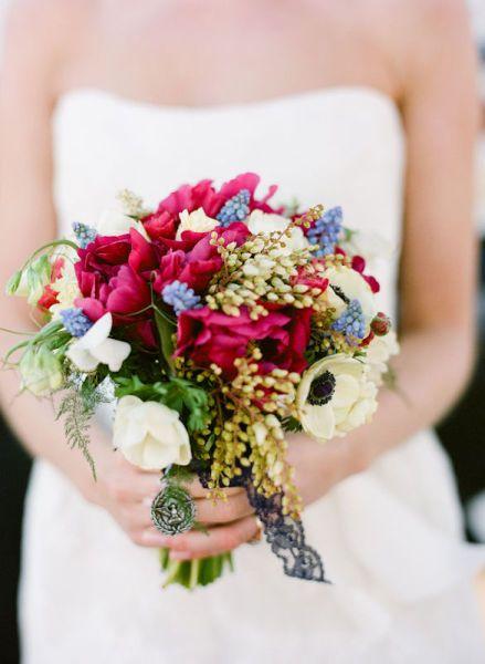 Bouquets & Boutonnières : la passion du rouge. - La Mariée en Colère Blog Mariage