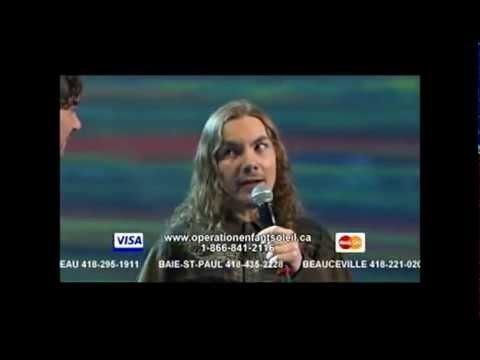 Nicola Ciccone chante sa chanson l'Autiste avec Raphael Duplessis, un jeune autiste de 14 ans.