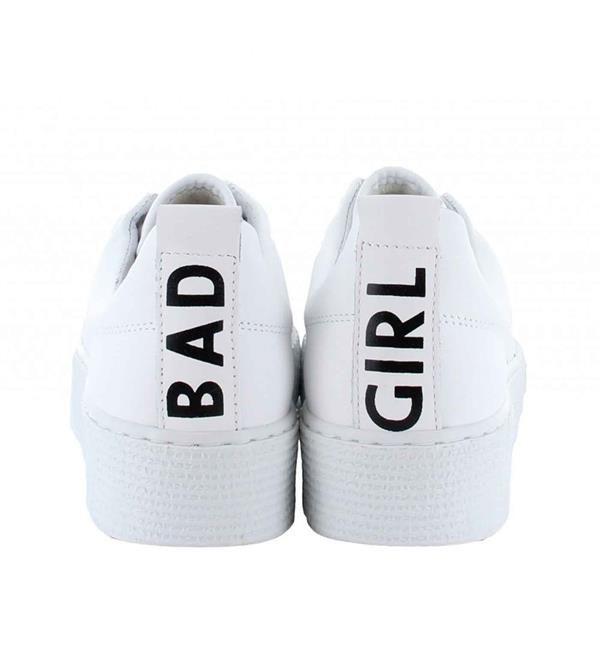Tango Sneakers model Emma 26-a. Voor alle 'bad girls'! Koop nu deze coole sneakers. Deze schoenen met uitneembaar voetbed lopen als engeltjes, ondanks dat je er zelf erg stout bijloopt ;-) Tango sneakers collectie zomer 2017. Shop direct online.