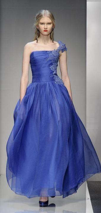 Roccobarocco F/W 2013   Fonte: fashionising.com  #Fall 2013 #Runway #Blue