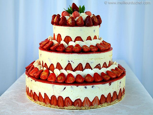 Fraisier Strawberry Wedding Cake - Recipe with images - MeilleurduChef.com