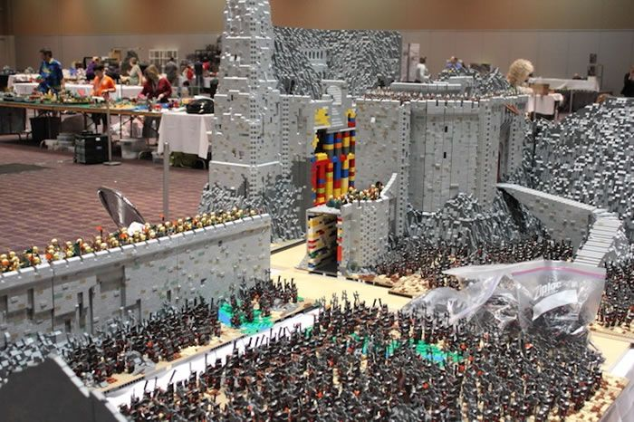amazing lego lord of the rings build is mind blowing. Black Bedroom Furniture Sets. Home Design Ideas