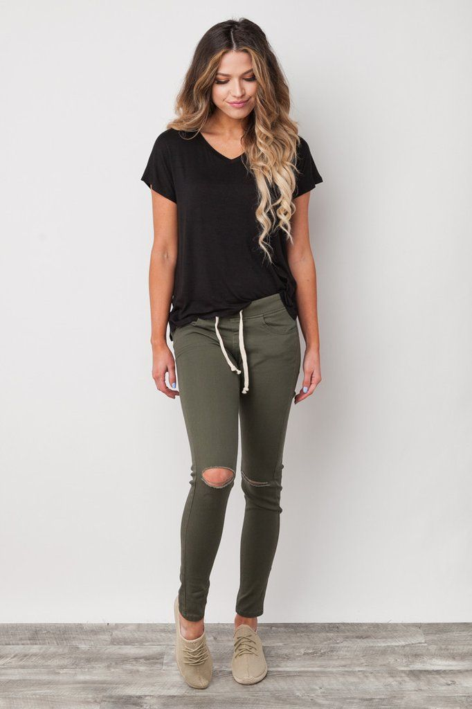Just like the name suggests the Game Changer Jeggings in Olive are an absolute game changer for your athletic wear collection! With a comfy cotton blend, elastic waistband, and an effortlessly casual