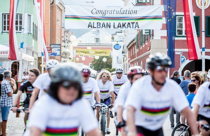 01.08.2017 - Empfang Mountainbike-Weltmeister Alban Lakata - Lienz http://ift.tt/2uT1Lpx #brunnerimages