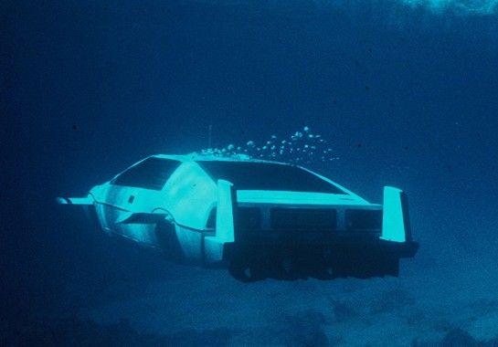 Γίνε James Bond αγοράζοντας την αμφίβια Lotus Esprit του | AUTO GRIP