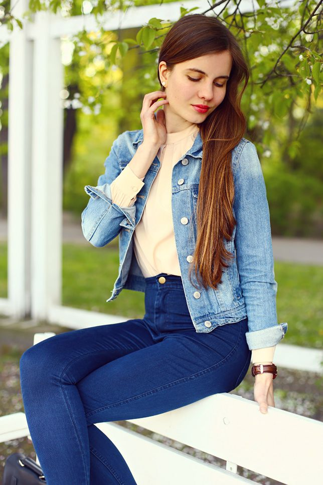 Jeansowa Kurtka Bezowa Koszula Jeansy I Sportowe Buty Ari Maj Personal Blog By Ariadna Majewska Outfits Fashion Women