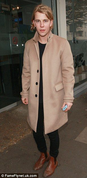 Tom Odell films festive Top Of The Pops special
