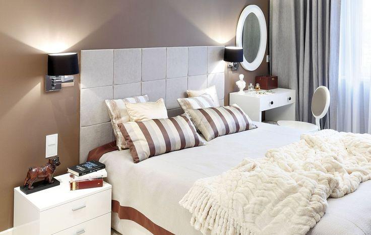 <p>Ta <strong>aranżacja sypialni</strong> w kolorze cappuccino spodoba się wszystkim, którzy lubią<strong> brązowy kolor ścian</strong>. Ciepłe <strong>kolory w sypialni</strong>, eleganckie meble, ładne zasłony i miękka wykładzina tworzą przytulny wystrój wnętrza. Z takiej sypialni nie chce się wychodzić.</p>