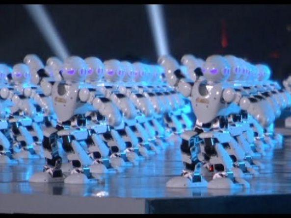 540 robots bailando celebran el Año Nuevo Chino  Dispositivos año nuevo chino curiosides robots