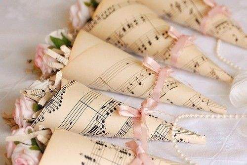 Love this!Ideas, Vintage Sheet Music, Book Pages, Vintage Music, Music Theme Wedding, Music Sheet, Bridesmaid Bouquets, Flower, Rose Petals