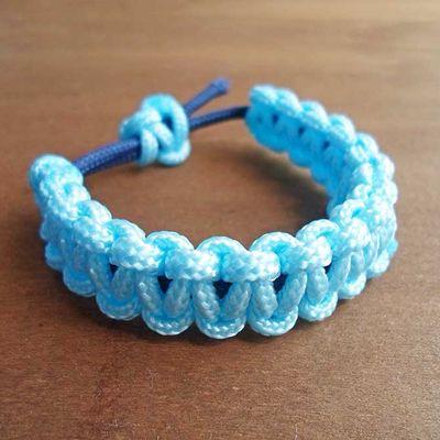 Make a Simple Paracord Bracelet