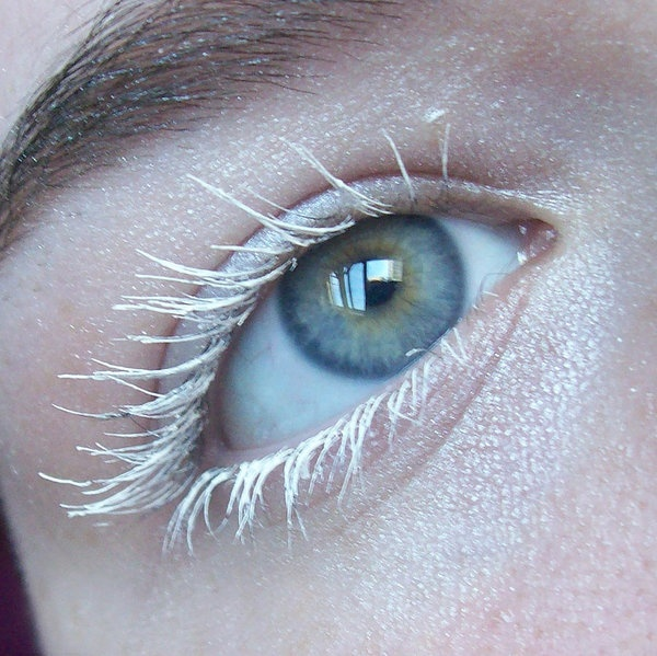 White Mascara: perfect for winter photography