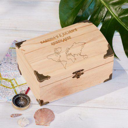 Personalisierbare Schatztruhe 'Reisekasse' groß online kaufen | Geschenke.de Online Shop