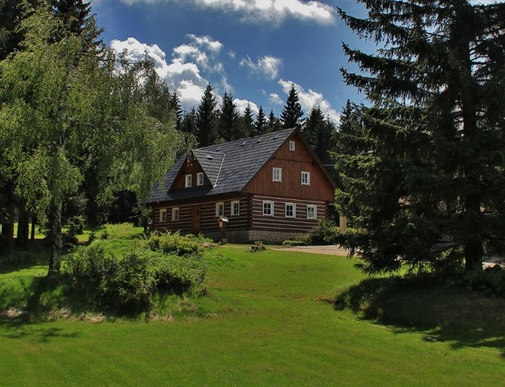 Chata Jelení kout is a family cottage with a home atmosphere, where our goal is to offer recreation in higher quality than it is usual in our region. We continue the long tradition the guest services at this site were offered already more than 100 years ago.