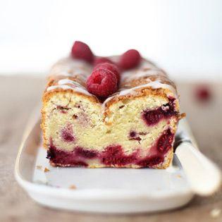 Das ist ein genialer aus der Vorratskammer gebackener Kuchen, der mit frischen Früchten und TK-Beeren …