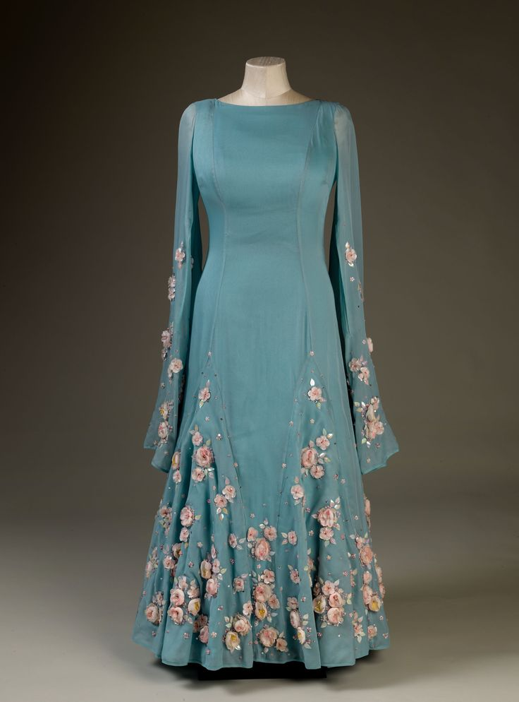 Exhibition preview, Windsor Castle. Queen Elizabeth II wore this dress on a state visit to Japan in 1975.