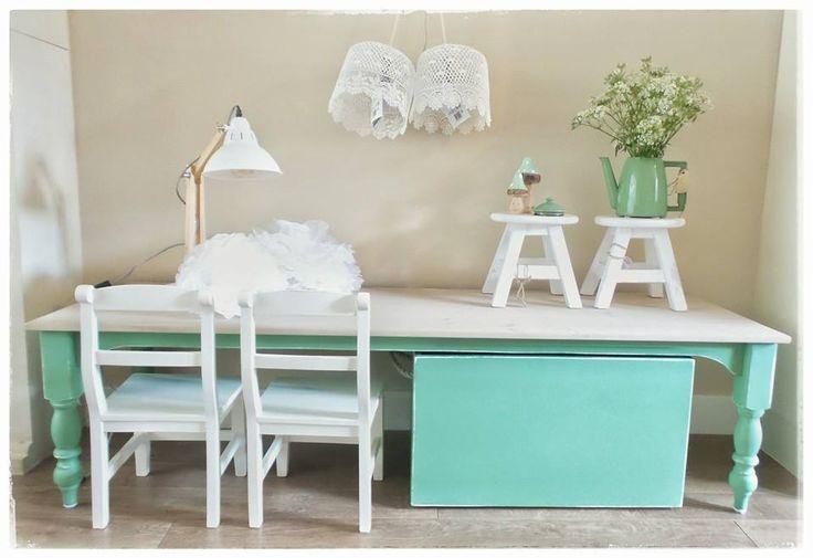 http://www.corneliashome.nl/a-44862512/kindertafels-speeltafels-op-maat-gemaakt/hippe-kindertafel-speeltafel-landelijke-stijl/