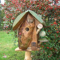 """Nichoir à mésanges,mangeoire """"belle le vie"""" cabane à oiseaux, chalet,bird house,bois massif, déco jardin, personnalisable"""
