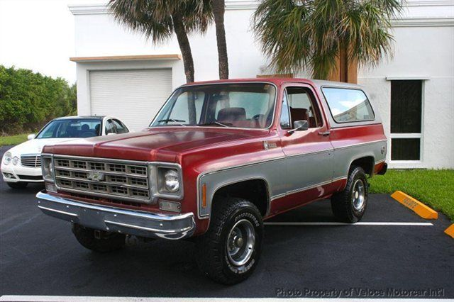 1978 Chevy K-5 Cheyenne Blazer, same as mine, but a LOT nicer. Not as much character though.