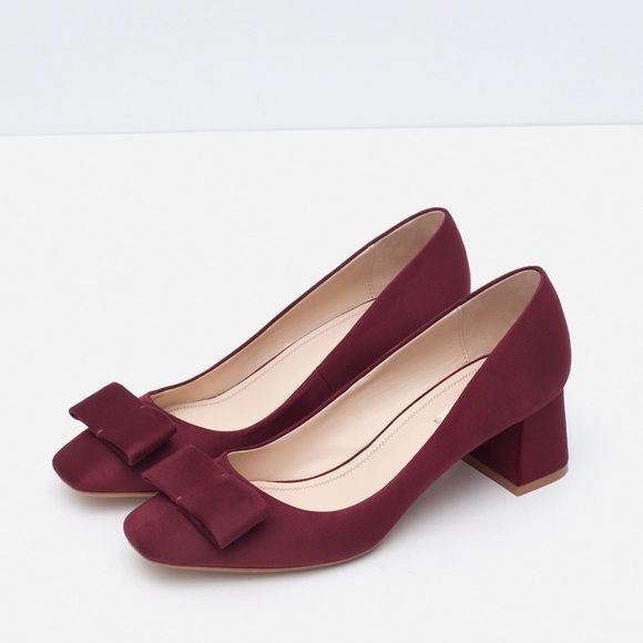 Zara block heel shoes with bow Very cute low heel(5cm) shoes with bow on the front,only worn once!!come with box Zara Shoes Heels