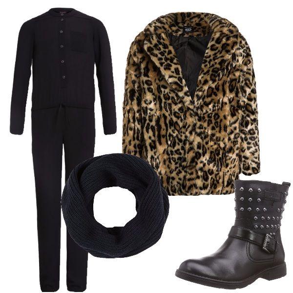 Questo outfit è dedicato alle ragazzine che amano vestire fashion e che si ispirano alla zia modaiola. Jumpsuit nera, pellicciotto leopardato, stivaletti borchiati e sciarpa ad anello compongono un look da vera fashion victim.