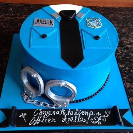 Custom Graduation Cakes – Millers Bakery
