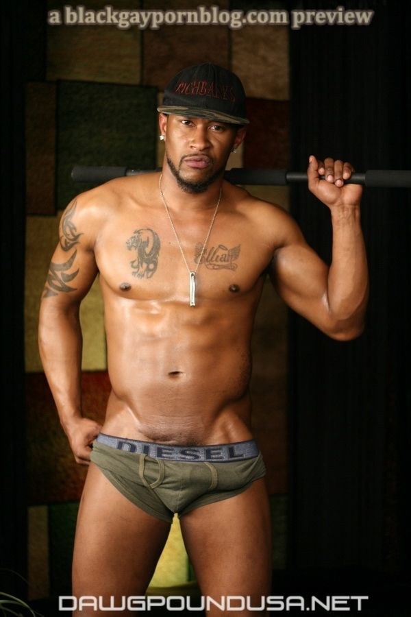 Ush Aka Usher Richbanks Shows Off His Bigbulge  Black -4493