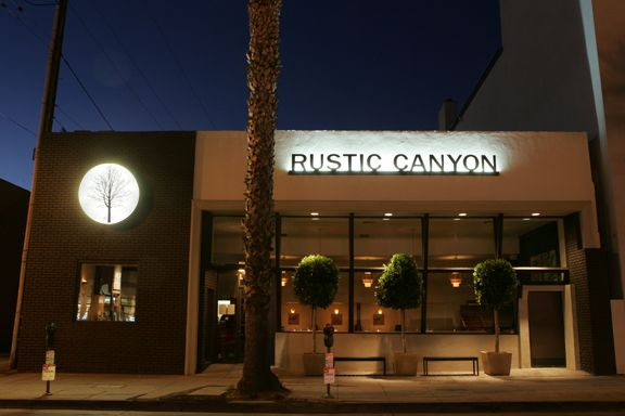 Restaurants-Exterior-Designs rustic canyon