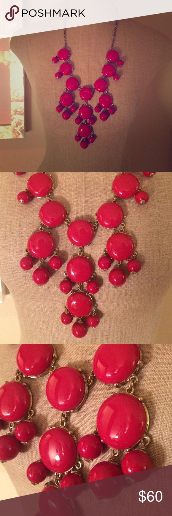 J. Crew authentic red bubble necklace Purchased at J. Crew. Very good to excellent condition. 🎈🎈🎈 J. Crew Jewelry Necklaces