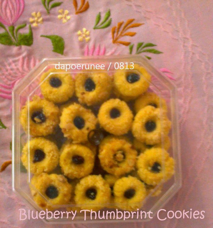 dapoerunee : Blueberry Thumbprint Cookies