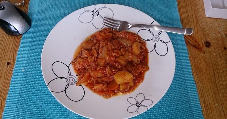 Måtte prøve noe nytt i Slow cookeren idag, tok utgangspunkt i en oppskrift på Irish stew som på norsk blir irsk lapskaus. :-)    Oppskrift t...