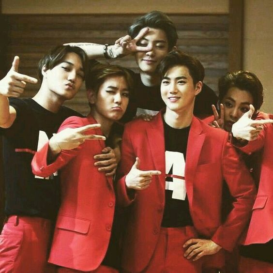 Exo is love . Exo is life