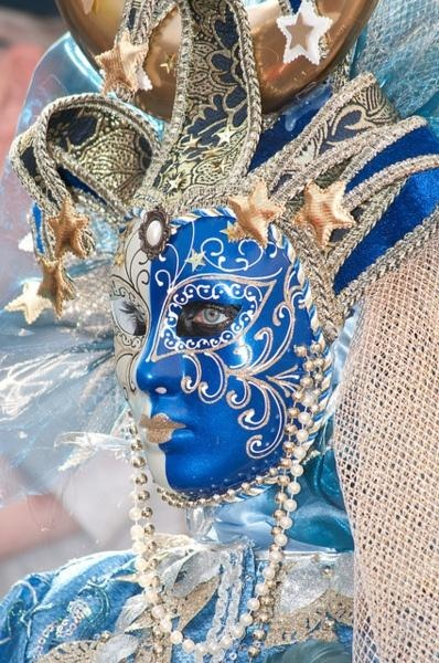 White & Blue & Gold Carnival mask.
