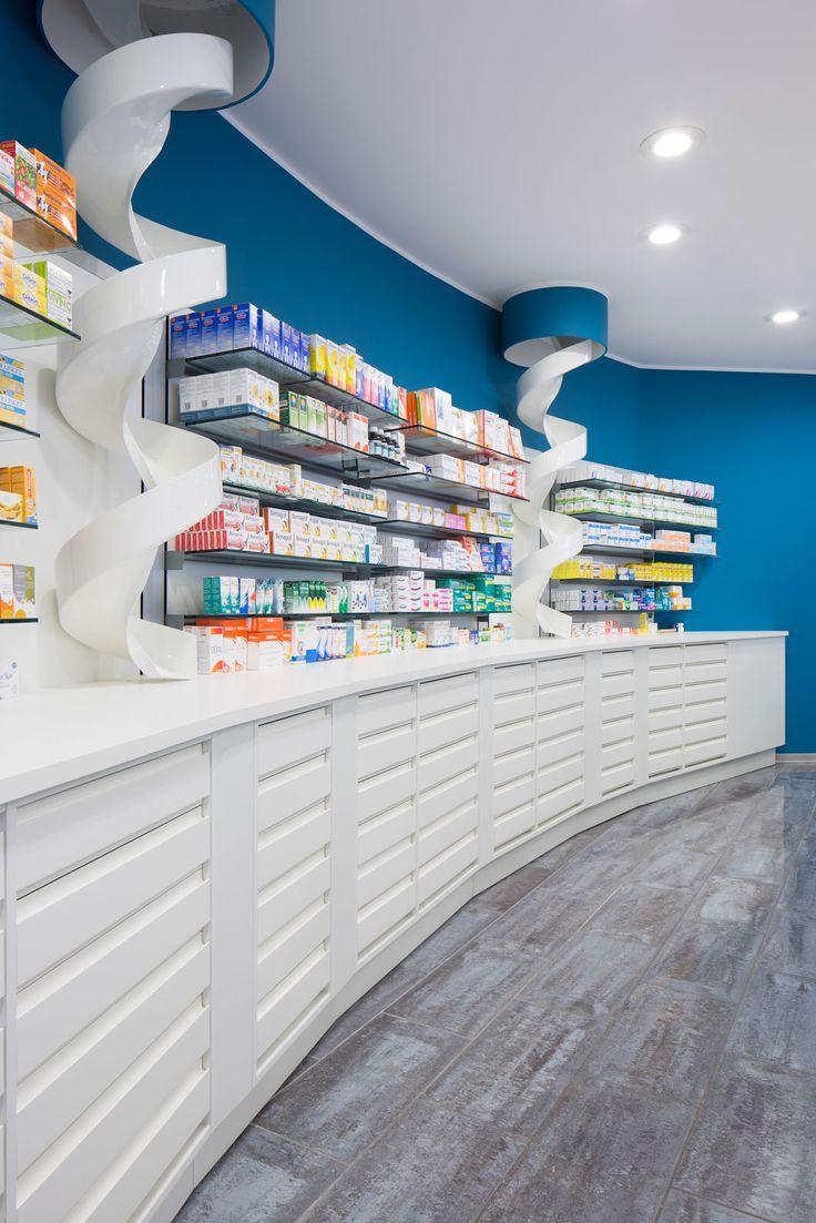 Farmacia Pesenti di Milano Il progetto di arredo Th.Kohl