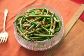 Addictive Indian-style Green Beans Recipe fallingup - CHOW.com