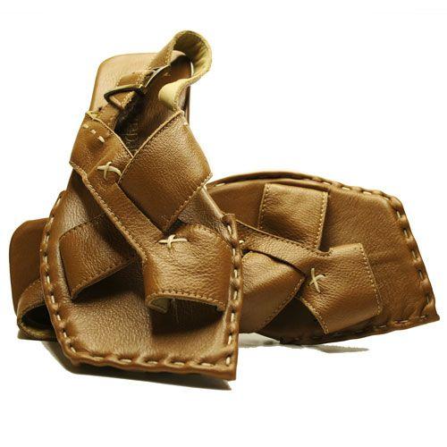 GEN CRUZ  #aguapatagona #soles #leather #rubber #bones #marcapaisargentina #shoes #boots  #argentinadesign  #Girona #CostaRica #BuenosAires #SanTelmo #SANDALS