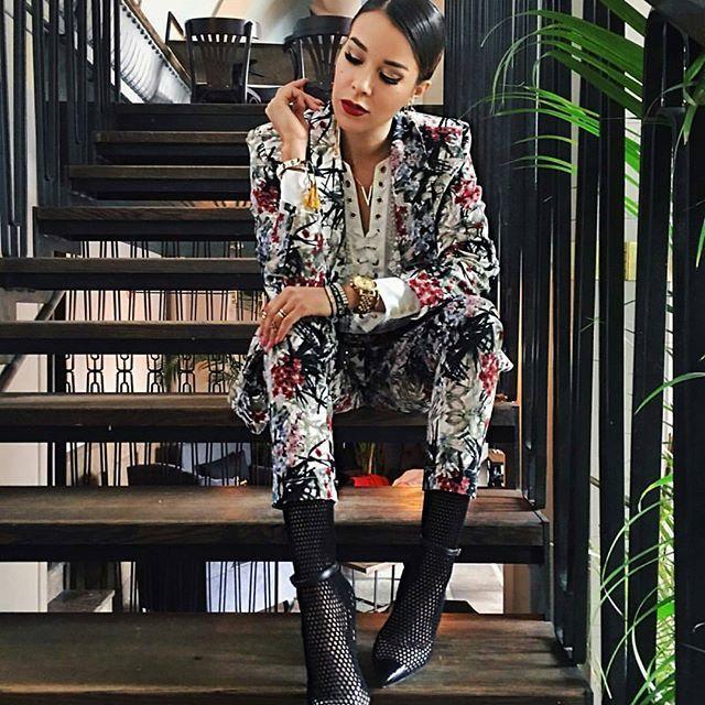 Cudowna @macademiangirl w naszym garniturze 😍 Jak Wam się podoba? 😊 www.mosquito.pl #ootd #outfitoftheday #lookoftheday #mosquitopl #fashion #fashiongram #style #love #beautiful #currentlywearing #lookbook #wiwt #whatiwore #whatiworetoday #ootdshare #outfit #clothes #wiw #mylook #fashionista #todayimwearing #instastyle #instafashion #outfitpost #fashionpost #todaysoutfit #fashiondiaries