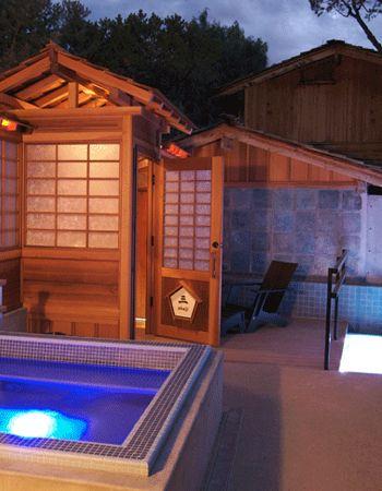 10,000 Waves - Mountain spa near Santa fe. A Japanese hot spring resort near the Santa Fe Ski area and National Forest.