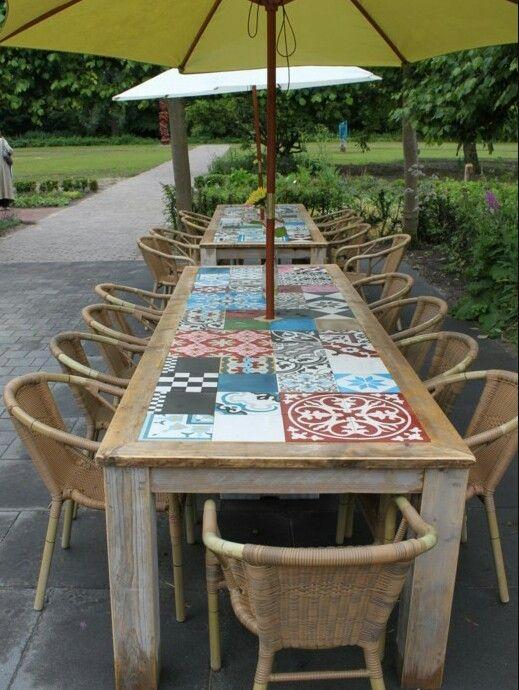 Superleuke tafel om zelf te maken. Waar vind je deze tegeltjes...?