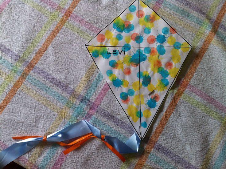 Summer Crafts For Preschoolers | kite-craft-summer-crafts