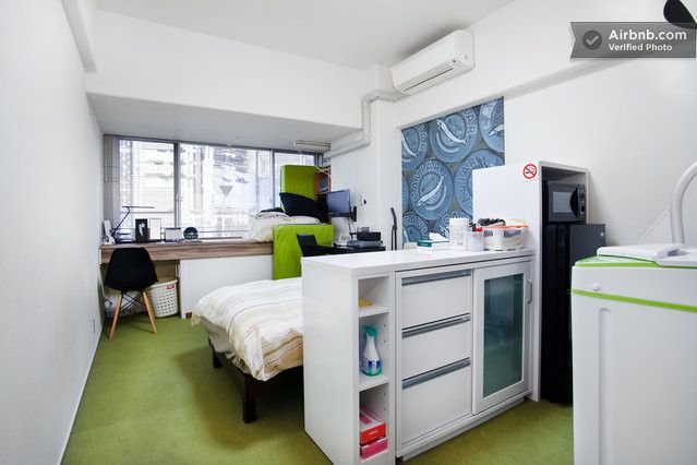 Shinsaibashi406 in Osaka https://www.airbnb.jp/rooms/1995754  It is a photograph of the room https://plus.google.com/u/0/photos/105073734923149789360/albums/5895955587974398689