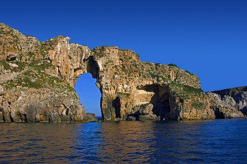Nature as sculptor Natural archway of Fnari and Sfaktiria #beach #greece #mesinia #sfaktiria
