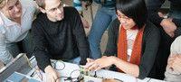 Electrical Engineering and Information Technology (M.Sc.)  Hochschule Darmstadt Die Studierenden können sich in vier Vertiefungsrichtungen spezialisieren: Automation, Communication, Embedded and Microelectronics oder Power Engineering. Besondere Merkmale des Studiengangs sind vor allem die durchgängige Systemperspektive: Aufgaben und Projekte werden thematisch und in der Vorgehensweise im größeren Verbund realisiert.