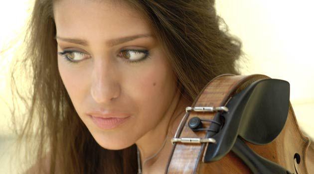 Sobresaliente variedad estilística encierra el ambicioso programa con tres sonatas para violín y piano que proponen dos talentosas figuras emergentes del panorama musical actual, la madrileña Leticia Moreno y el francés Bertrand Chamayou.