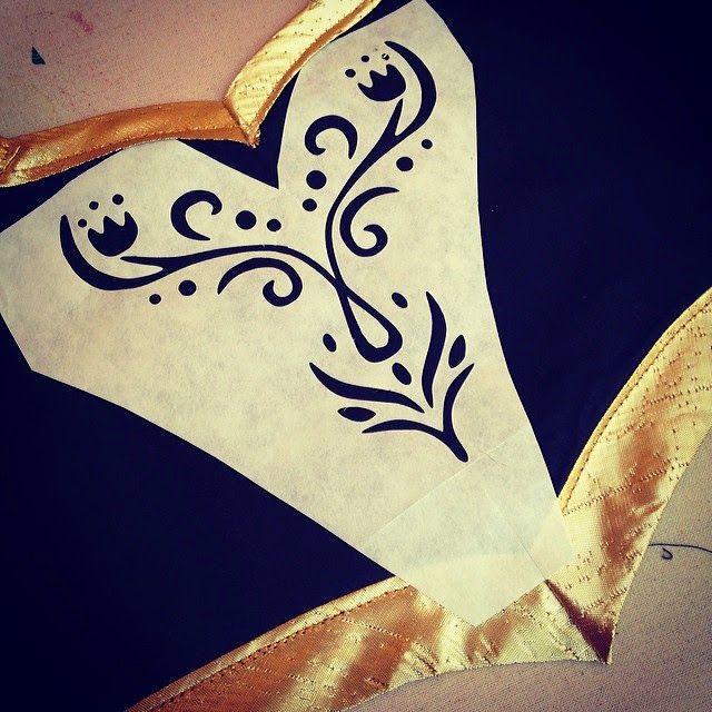 Anna bodice design - FREE silhouette file