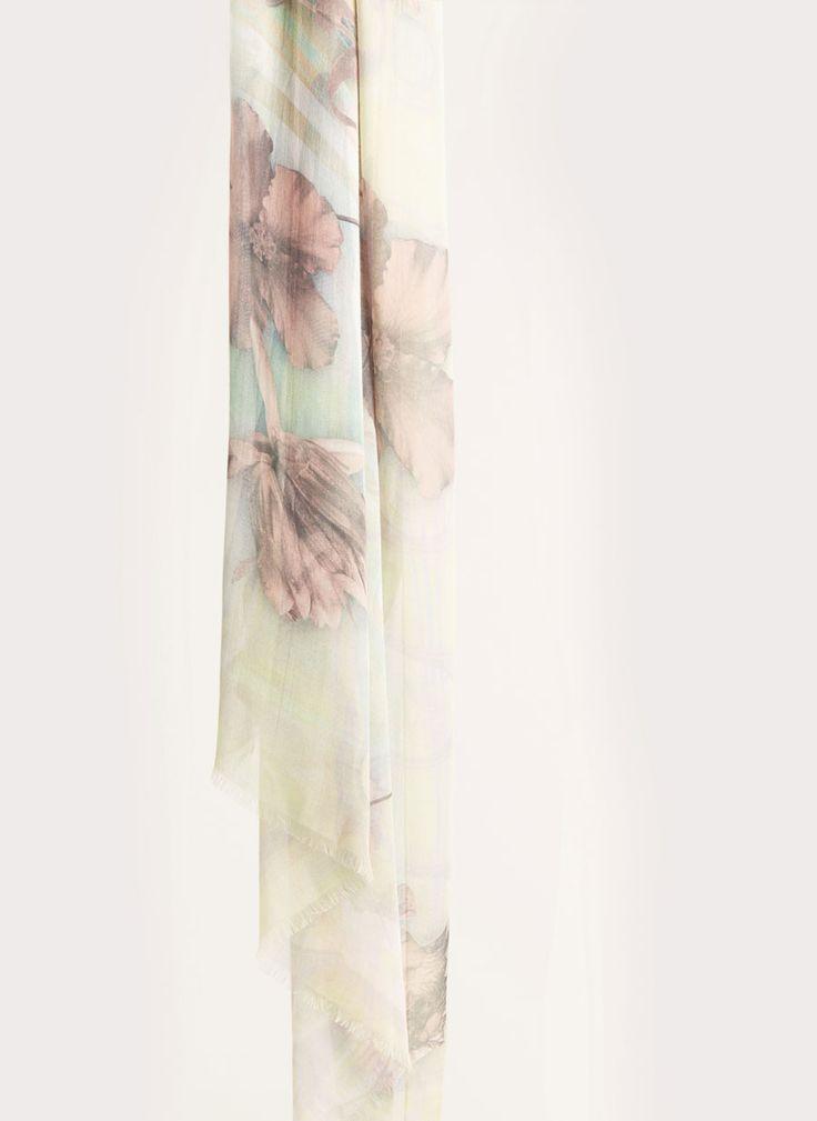 Pañuelo fino flores lirios - Foulards - Complementos - Uterqüe España