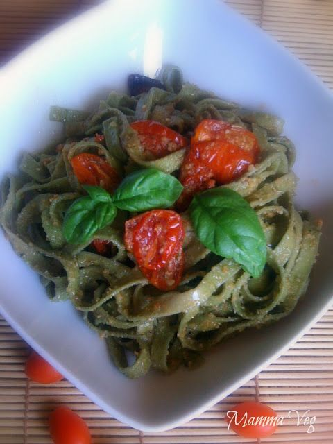 Mamma Veg: Tagliatelle con pomodorini al forno e briciole