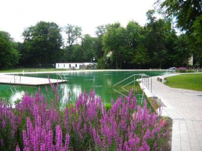 Sommer in der Stadt - ab ins Naturbad Maria Einsiedel und danach geht's an den Flaucher zum Grillen.