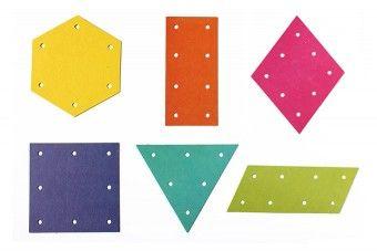 Vorgestanzte Fädelkarten in 6 Farben und 6 Formen.